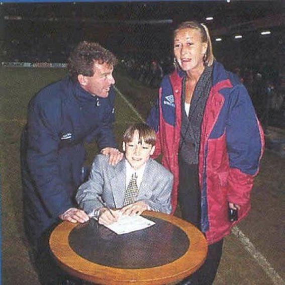 A REMINDER:  Happy Birthday John Terry Here he is signing his first Chelsea contract at 14 years old