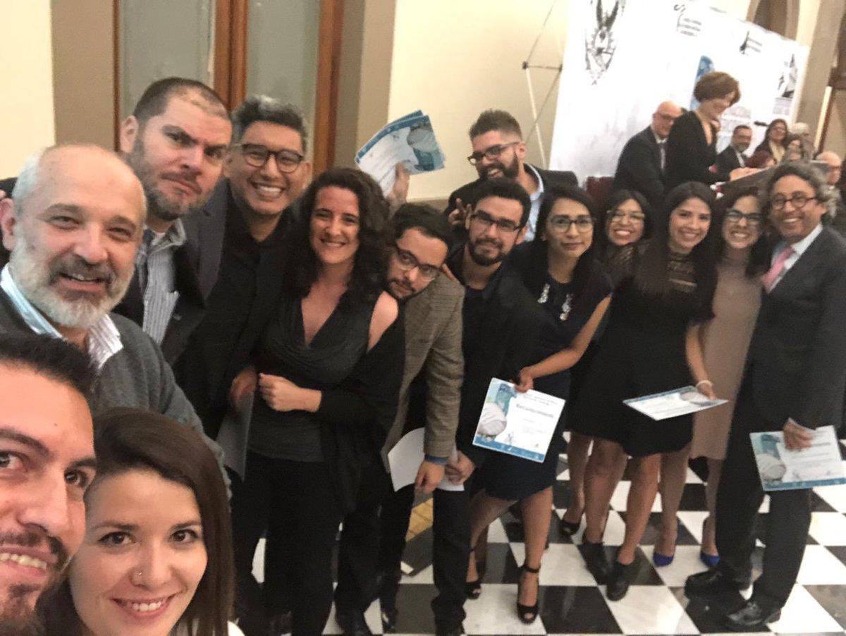 RT @dmorenochavez: Buena parte de la banda. Premio Nacional de Periodismo para @Pajaropolitico y @MXvsCORRUPCION https://t.co/DFHRO4qryg