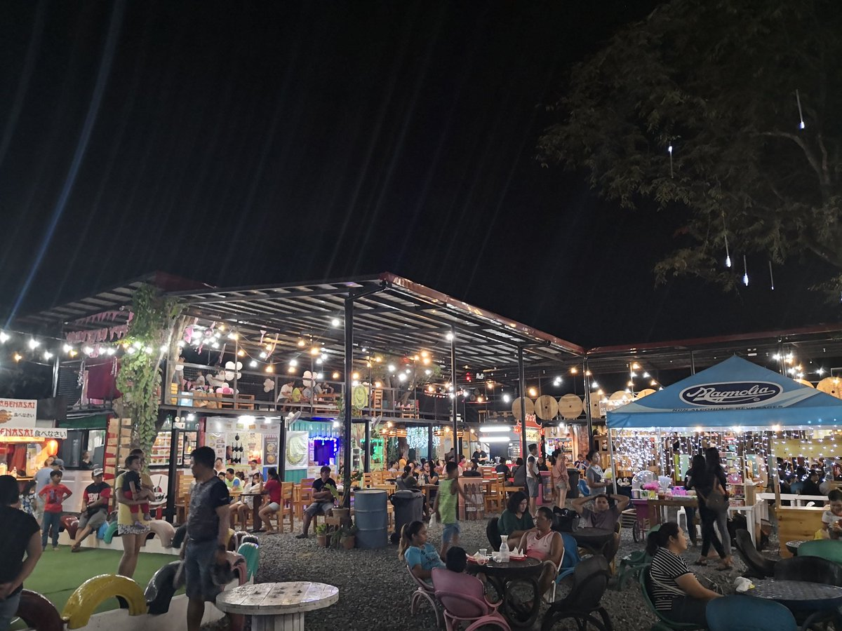 Food Barn.  #WeekendHits https://t.co/nYpEeqnzOt