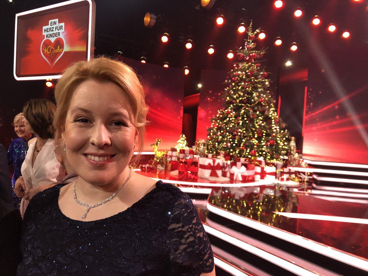 TV-Tipp: Franziska #Giffey ist heute ab 20.15 Uhr zu Gast bei #EinHerzfürKinder im @ZDF. https://t.co/l8rZEqmQj9
