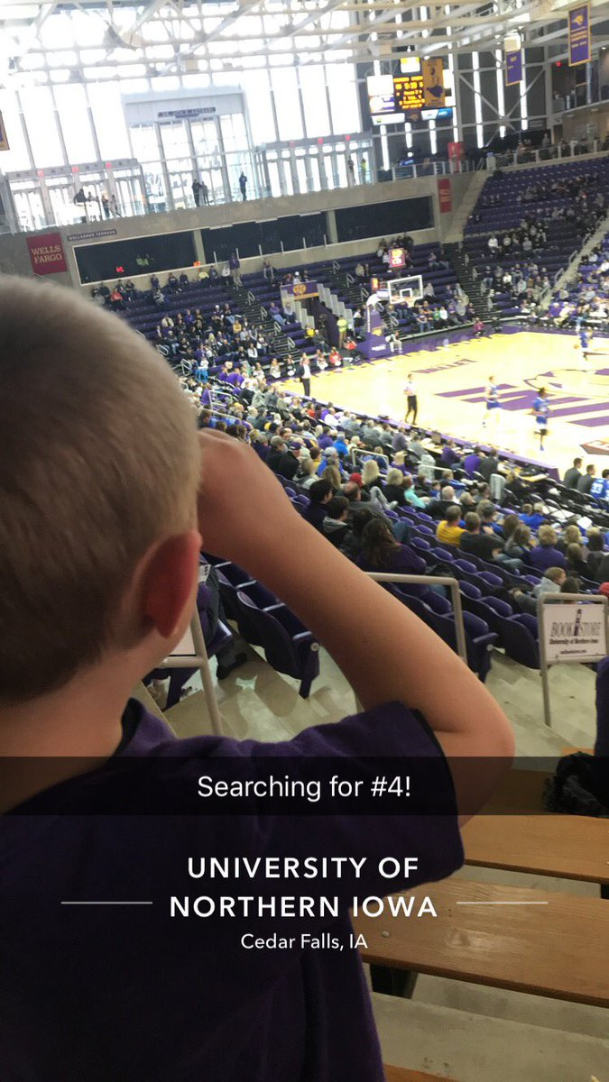 RT @MrsIehl: This little guy was on the hunt for @UNImbb #4– his hometown favorite! https://t.co/gS9YFalDYZ