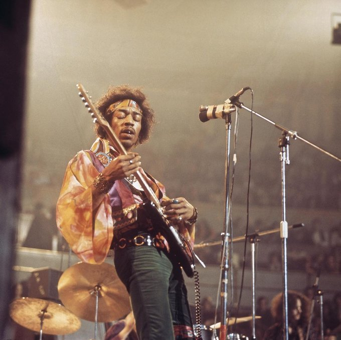 Happy birthday Jimi Hendrix, your musical masterpieces never fail to lift the mood. --->