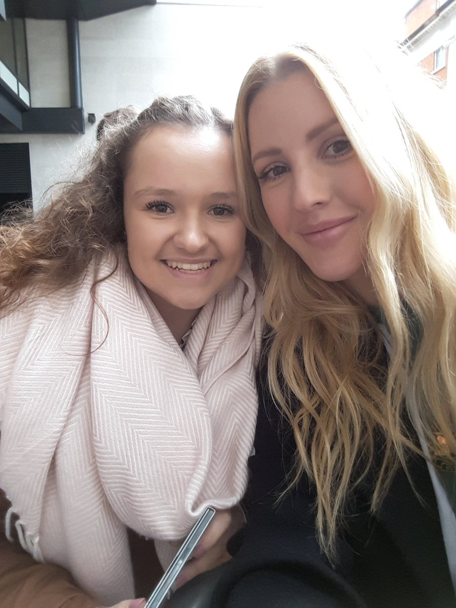 RT @goulddiggerEG: This happend a few minutes ago and i'm still shaking ???? thank youuuu @elliegoulding ❤❤ https://t.co/WJjlaMiUvT