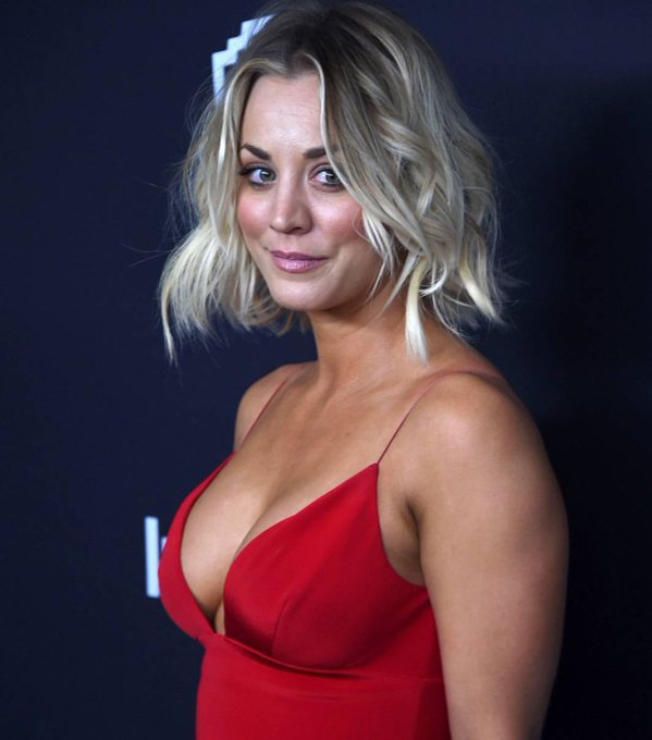 Happy Birthday to Kaley Cuoco, she turns 33 today