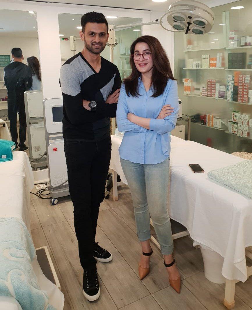 RT @SLACPK: Star cricketer @realshoaibmalik at The Aesthetics Clinic 🏏   #shoaibmalik #shaistalodhi @IamShaistaLodhi https://t.co/VVVkBZpZss