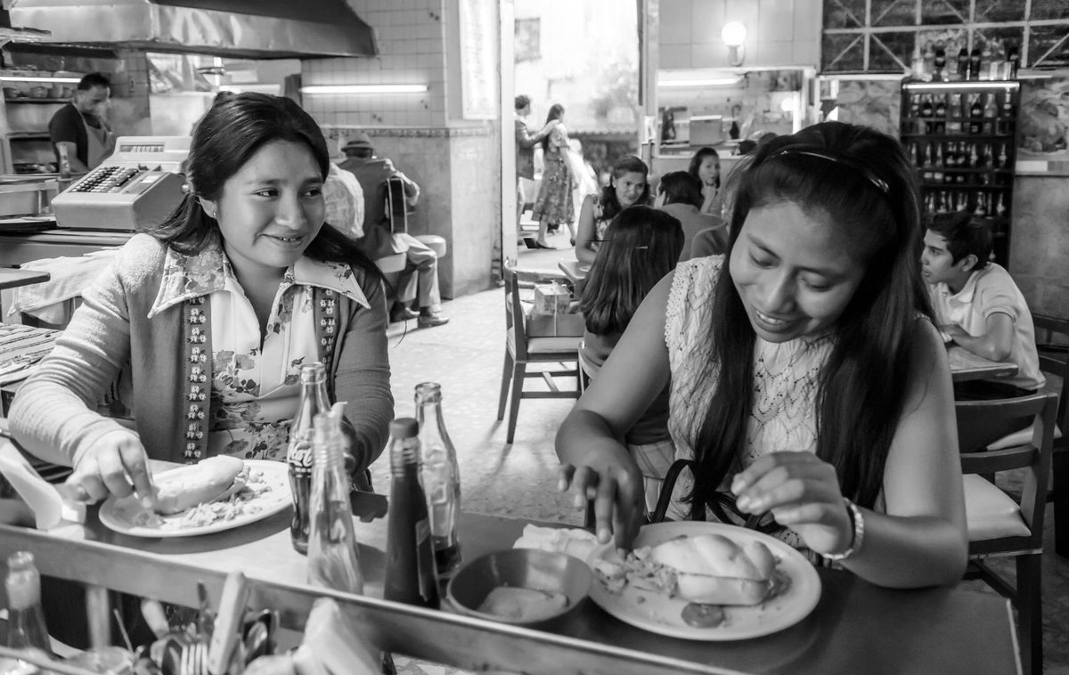 RT @alfonsocuaron: Tortitas   Photo by @CarlosSomonte   @ROMACuaron  #ROMACuarón https://t.co/9AAyC9RovC