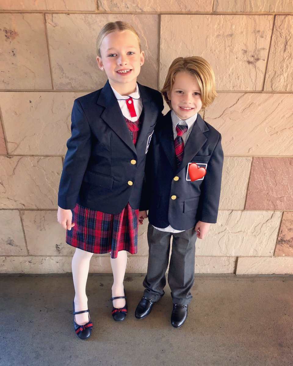 I'm so proud of my kiddos for being such standout talents in their school winter program!! #MAXIDREW #ACEKNUTE https://t.co/UXRsA0xIcP
