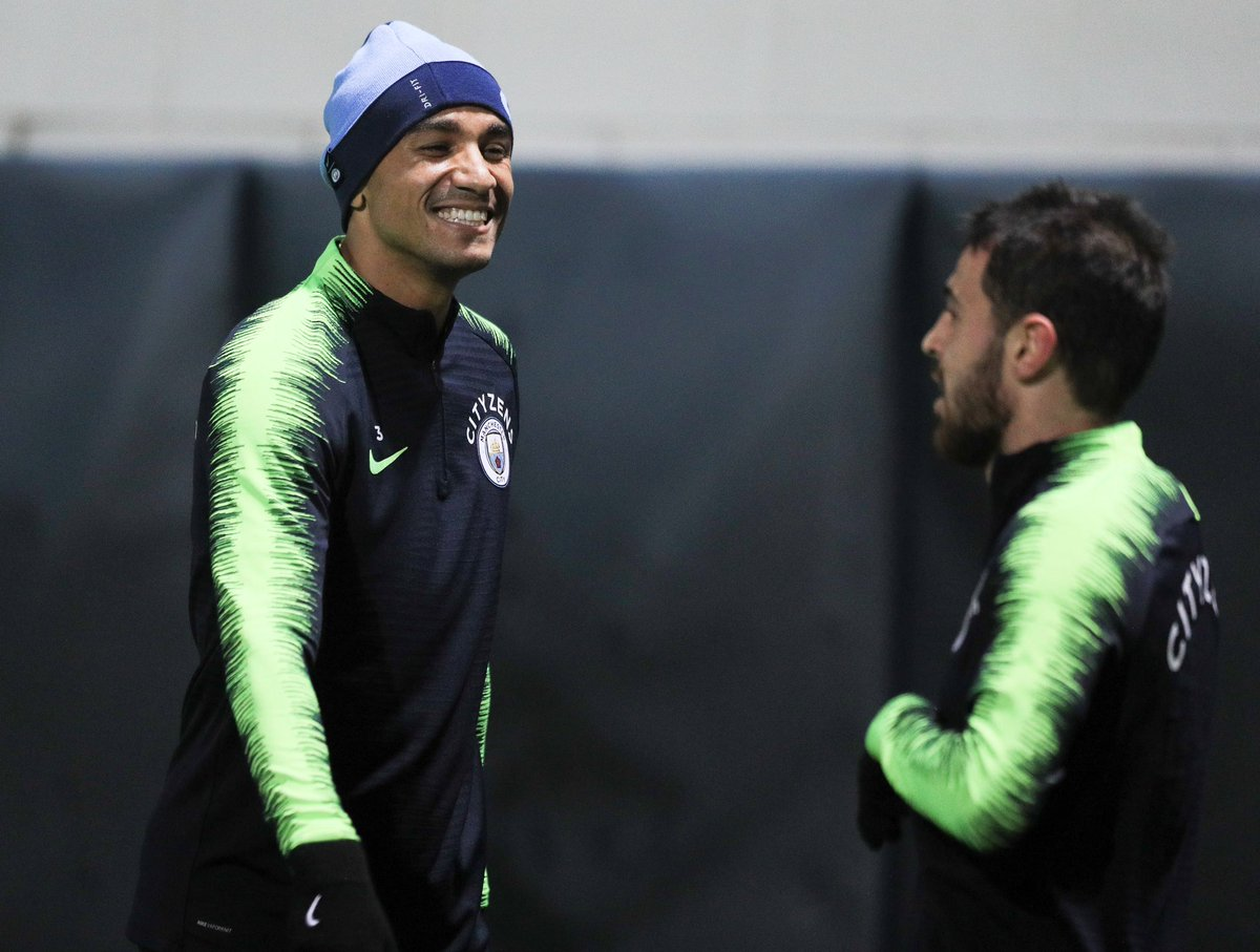 What does @2DaniLuiz find so funny about me? Does anyone know? 🤷🏻♂️😅 https://t.co/Z41BIyGQf3