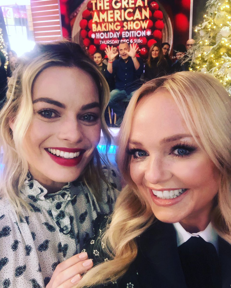 She dressed up as me once #babyspice @MargotRobbie loved meeting you! #girlpower https://t.co/nG50YhJuav