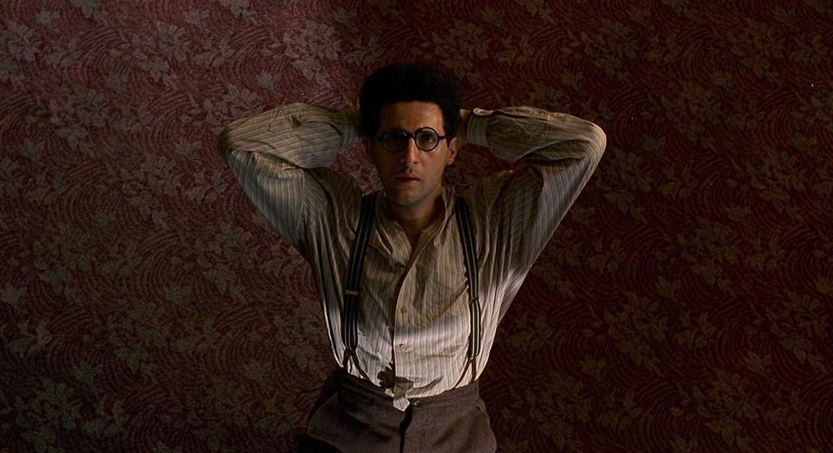 Barton Fink by the Coens.  Spectacular. Down to every single frame.  Everyone's seen it, yeah? https://t.co/1r60lo2TZf