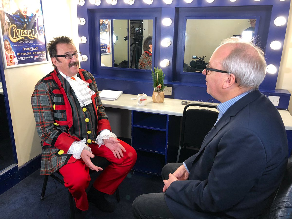 test Twitter Media - Tune into @itvcalendar tonight at 6 to watch @chriskiddeyitv talk with @PaulChuckle2 about working without his brother @WokingTheatre, #chucklebrothers https://t.co/5wv1mX5BMb