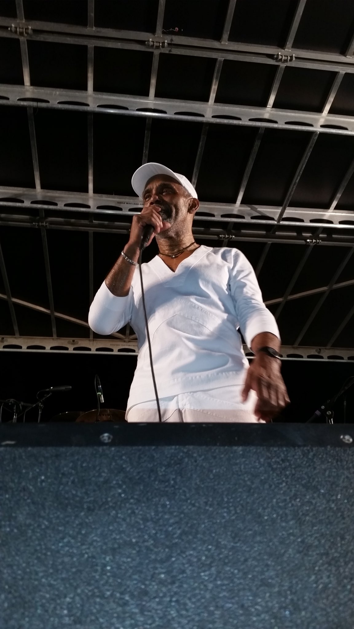 Happy Birthday Frankie Beverly 72 yrs young Blessed love me some him