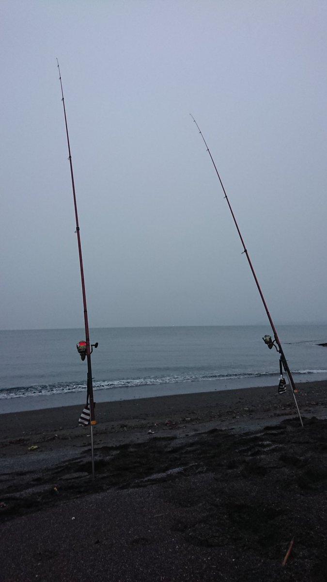 今期ラストのアキアジ釣り行ってきました。 1バラシの残念な結果だったけどポジティブに最後アキアジの引きの感触を味わって終了できて良かった✨  #釣り #アキアジ #鮭 https://t.co/MPoVjrxEql