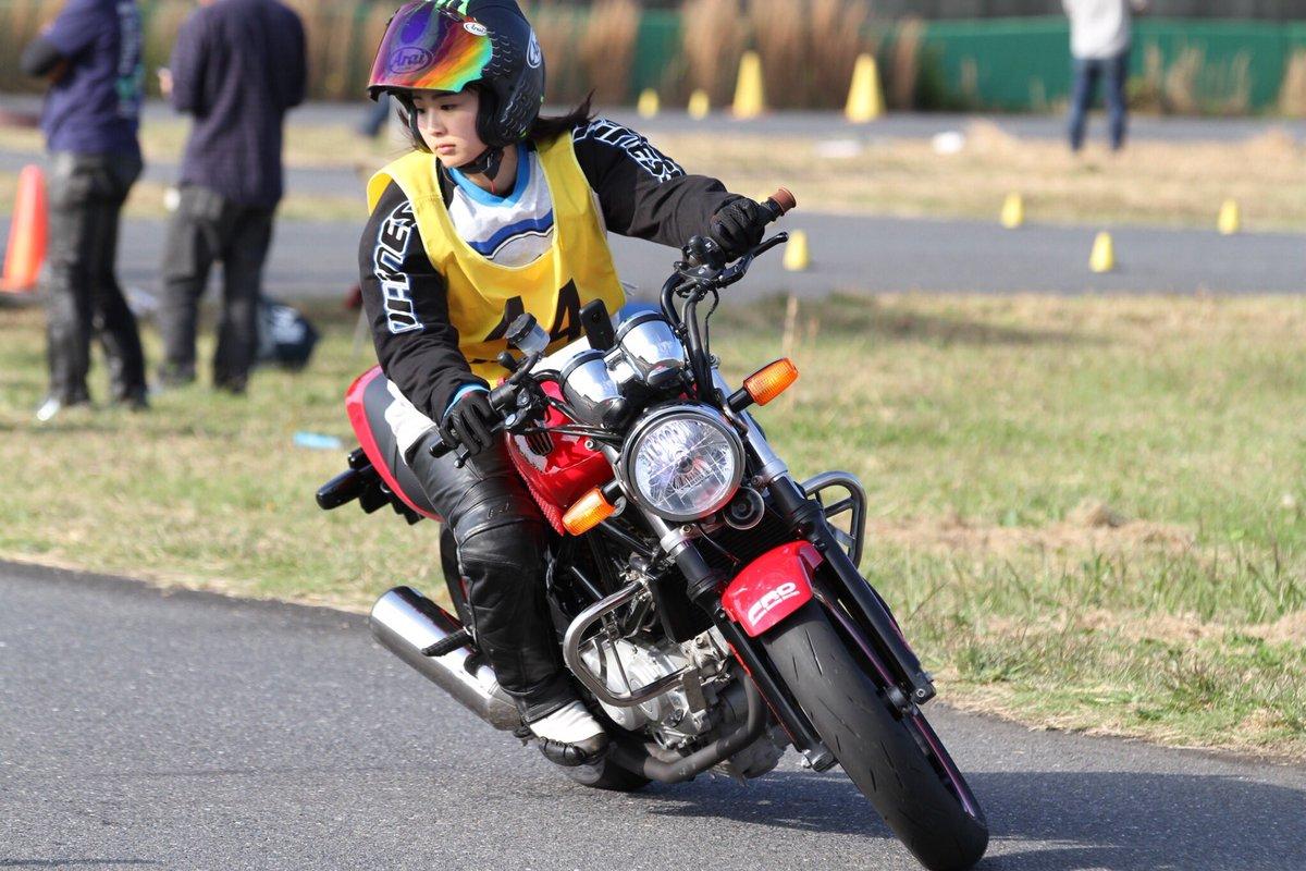 【アイドル】元AKB48平嶋夏海、バイクレーサーに転身「半分趣味で、半分お仕事」
