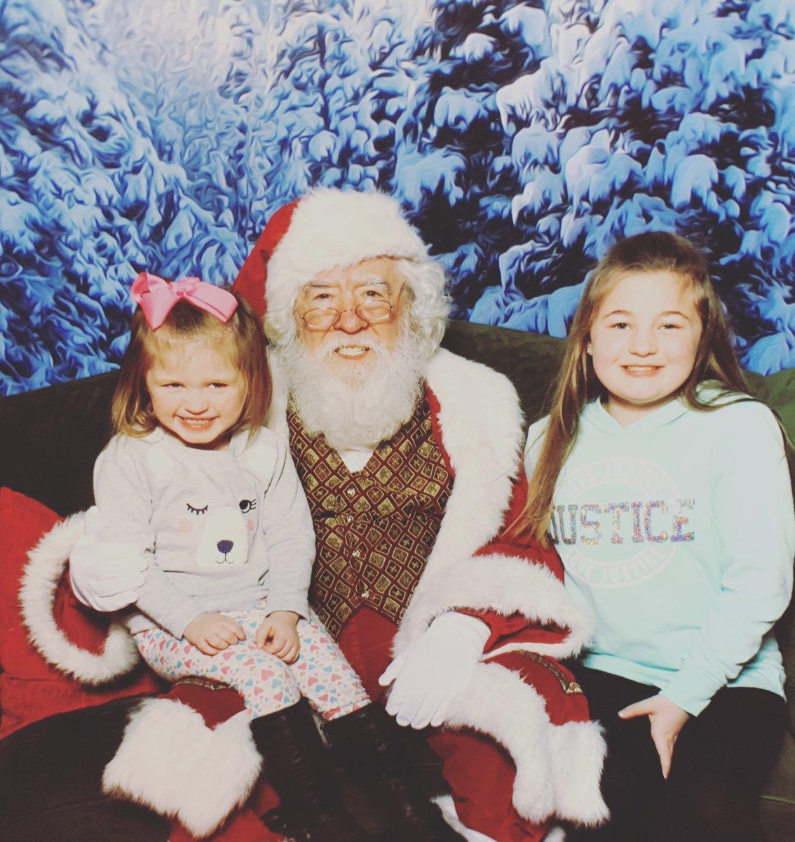 RT @krissyK01: Visit with Santa! @ItsGaryTime @AmberLPortwood #Christmas2018 https://t.co/8dHt0mYJyl