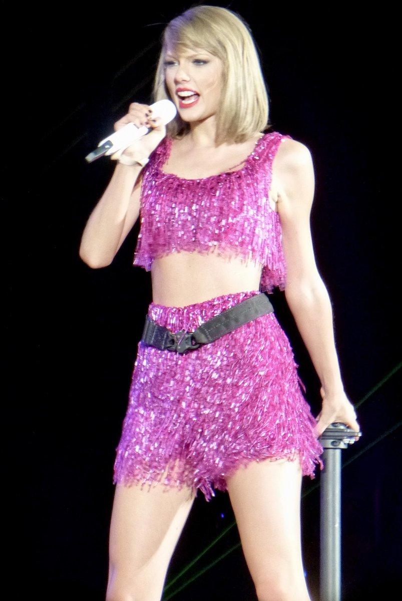Which tour outfit? Vote below! #TaylorSwift #Swifties #1989WorldTour #reputationStadiumTour #ShakeItOff #ReadyForIt https://t.co/UkHswQ1lBF