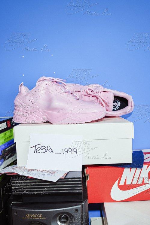 Nike signe les sneakers les plus cool du moment ---> https://t.co/S4P6siCWxl #Nike #MartineRose https://t.co/ax6dBR7IMt