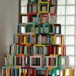 Uno de nuestros árboles hecho por los alumnos de plástica de 2° de ESO https://t.co/2FrDYXSyHM