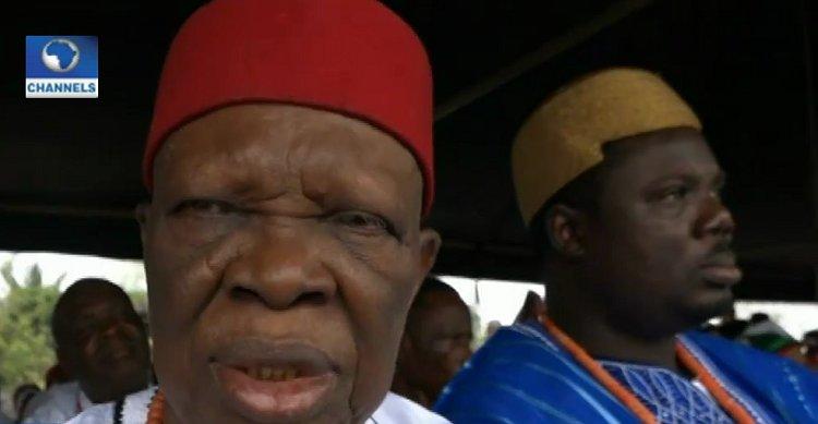 Delta Traditional Rulers Back Okowa's Re-election Bid. https://t.co/GoUZ9y9XIQ https://t.co/B8I10eC8kl
