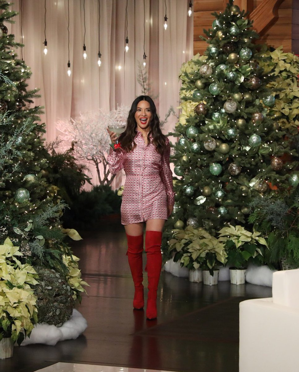 Tune in to @theellenshow today to watch me give out presents for the 11th day of Christmas! https://t.co/KU0kuAkSn3