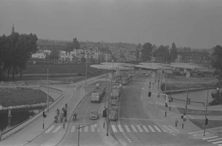 test Twitter Media - Bouw van het viaduct voor Rijksweg 20 bij Station Noord, gezien vanaf de Gordelweg richting Straatweg,  Jaar: 1967 https://t.co/o9Zs8oQTEd