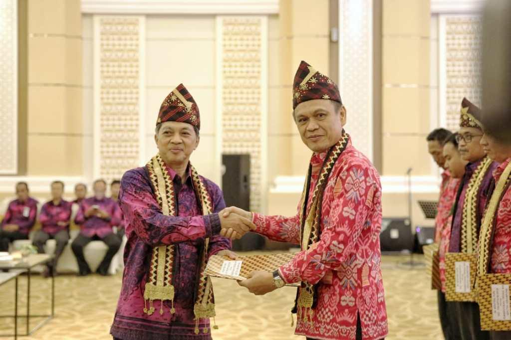 Taufik Hidayat Pimpin TKPSDA Mesuji Tulangbawang dan SeputihSekampung https://t.co/VeaUXslsQH https://t.co/c3IrAiT7tG