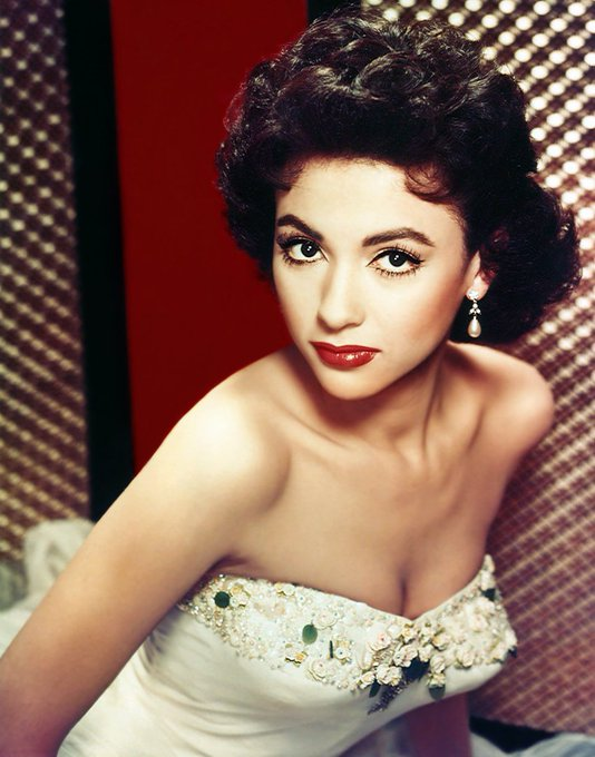 Happy 87th Birthday to Rita Moreno! (December 11, 1931)