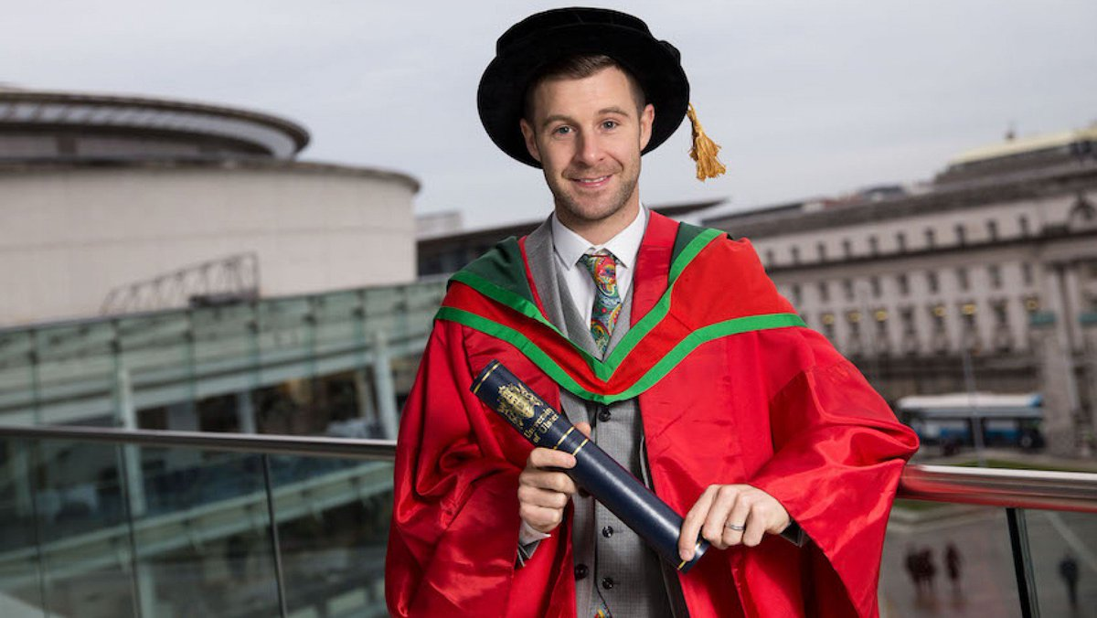 test Twitter Media - 🏅@jonathanrea awarded honorary degree from UUJ   Four-time world champion receives honorary doctorate from University of Ulster for his remarkable contribution to sport  📃 | #WorldSBK https://t.co/wxhnnEu7eP https://t.co/ElfajYhCJZ