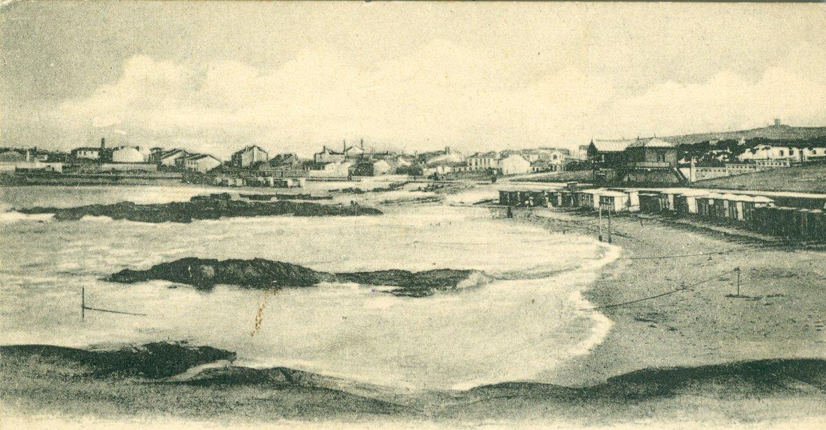 RT @GZHai1Seculo: A #Coruña. Praia e balneario de Riazor. Circa 1900. https://t.co/0e39rjhogH