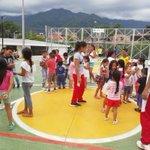 🏓⚽️ Así se dividierten los niños y niñas del barrio 2 de Junio de la comuna 8 en nuestras #VacacionesRecreativas. https://t.co/ReEB0lRNwL