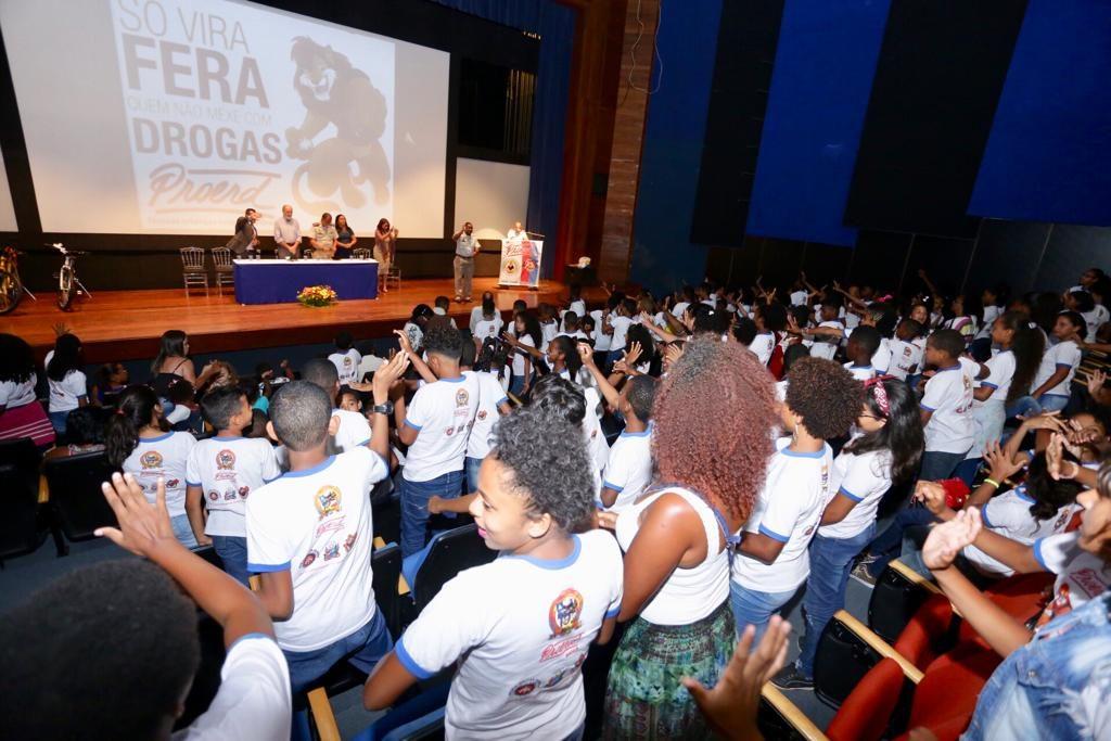 PROERD forma estudantes da Costa de Camaçari - https://t.co/2a2xxiGVP0 https://t.co/NidzCByZrB