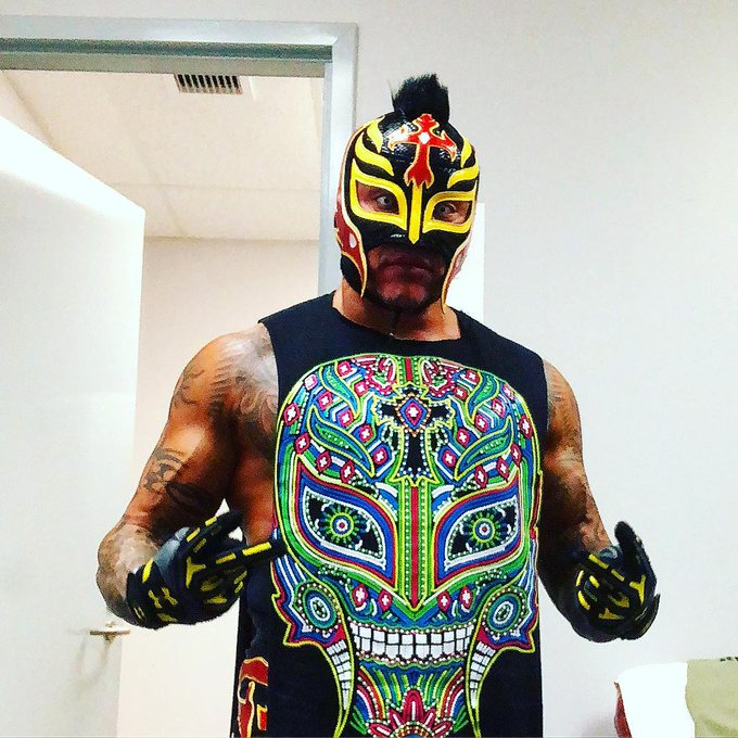 Happy Birthday to SmackDown Live star Rey Mysterio who turns 44 today!