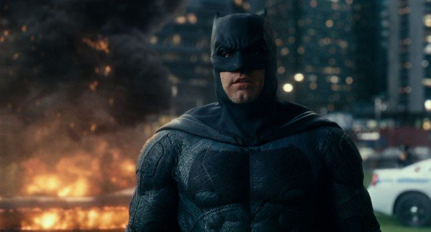 RT @heroichollywood: 'The Batman' Update: Matt Reeves' Script Rewrite Due By End Of Year https://t.co/dGsbj53raa https://t.co/NHsnaVWNRV
