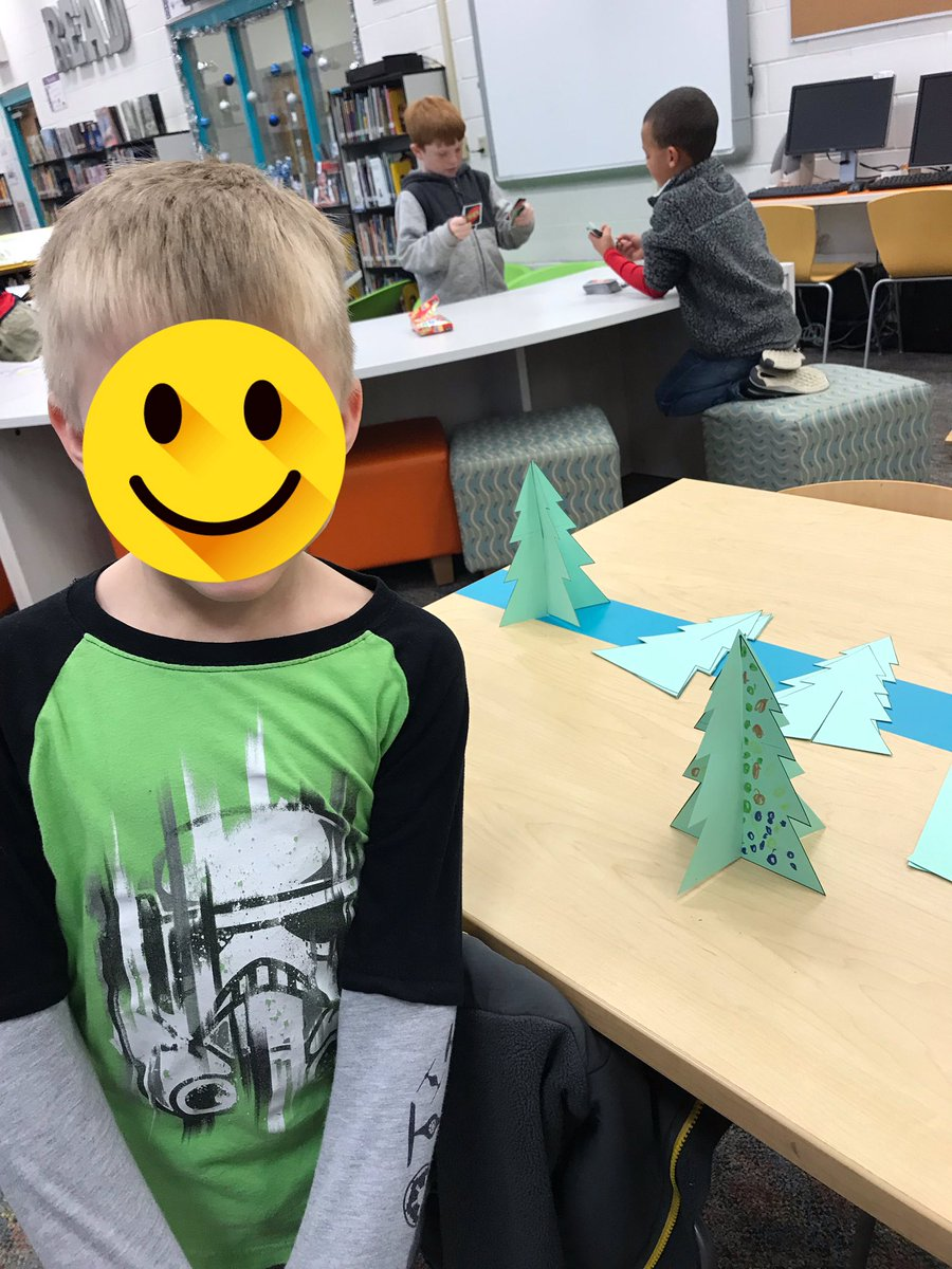 Christmas tree creations and PreK station bliss - another terrific Tinker Time! #letthemplay #studentchoice https://t.co/LXswsbi3TU