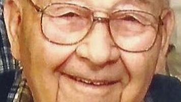 Earl Lichtenberg, 84, rural Mayville https://t.co/SYuNV1jAQB https://t.co/liw0XV5BpS