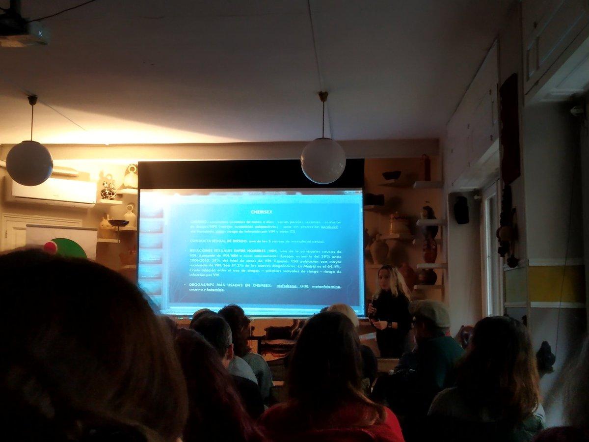 """test Twitter Media - Laura Moreno de @abd_ong presenta un caso clínico de #chemsex: """"Son sesiones de sexo con drogas psicoactivas que pueden durar horas o hasta días. El 64% de nuevos diagnóstico de #VIH  en Madrid son usuarios de #chemsex"""". Hoy en @UNADenred https://t.co/ScBLc0Yxcs"""