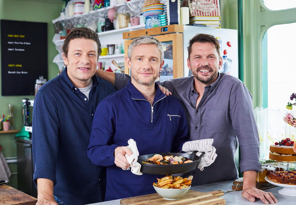 RT @Channel4: Hollywood star #MartinFreeman will be the special guest on #FridayNightFeast tonight at 8pm https://t.co/CZenuy7xBG