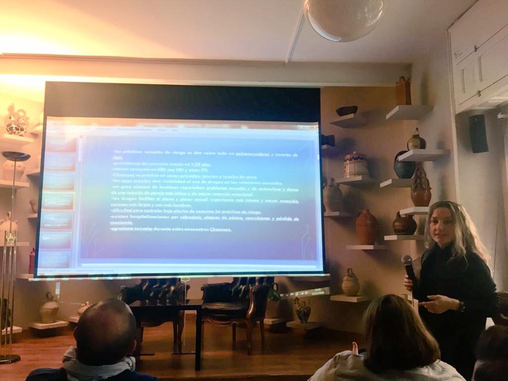 """test Twitter Media - Laura Moreno de @abd_ong expone los resultados del tratamiento de un caso clínico de #Chemsex en el encuentro técnico de la @UNADenred sobre """"Hepatitis C, VIH y otras ITS"""" https://t.co/La24KKCysy"""