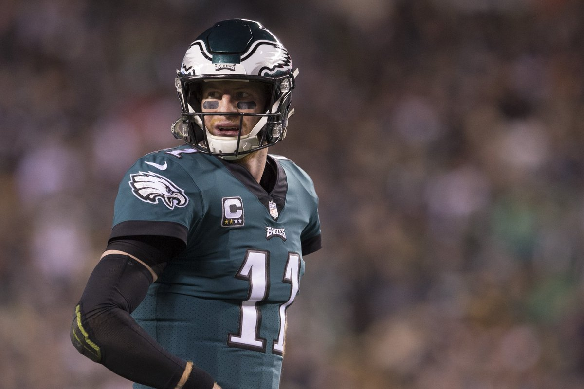Eagles QB Carson Wentz is not expected to play this week, could sit for the rest of 2018, per @RapSheet https://t.co/TcGSLBAo9o