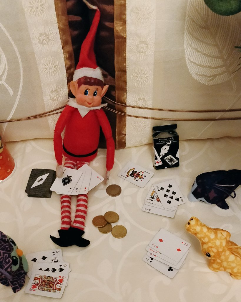 The antics of Rory The elf on the shelf! Card Shark! #elfontheshelfideas #elfontheshelf2018 #elfontheshelf https://t.co/ZINUK5NWmM