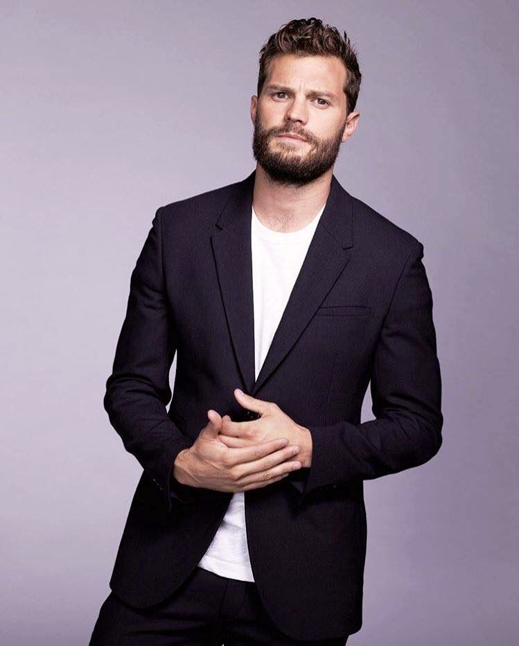 RT @EverythingJDcom: Happy Friday Eve, lovies! #JamieDornan https://t.co/yDNWEnx0yJ
