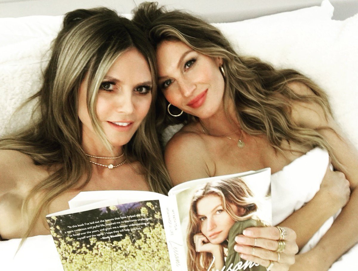Bedtime Stories with @gisele  ????❤️  #beautyfromtheinsideout   #theoneandonly  #family https://t.co/ml06Qb8vKY