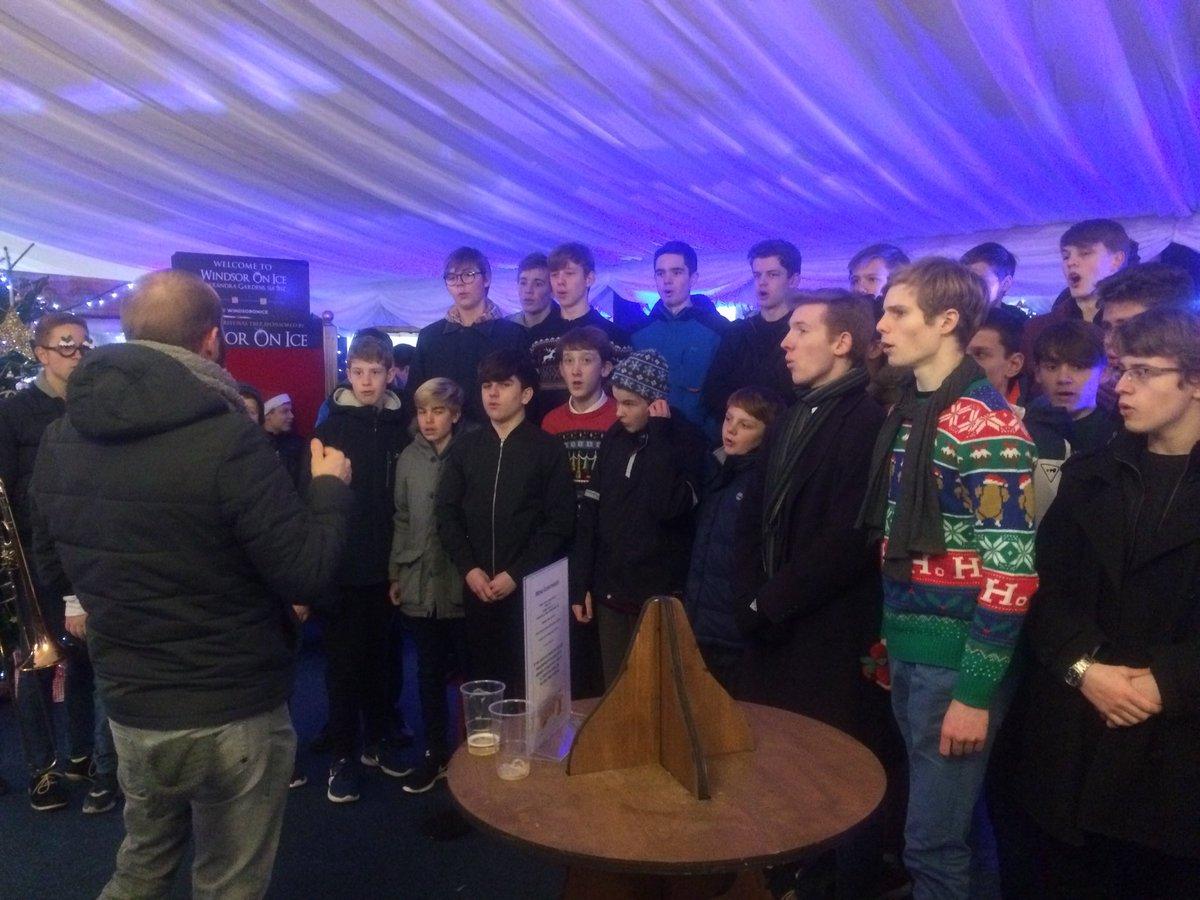 test Twitter Media - RT @umkey: @twbsmusic boy's choir singing at #windsoronice. @jpmanwaring https://t.co/9GcMtYXqsY