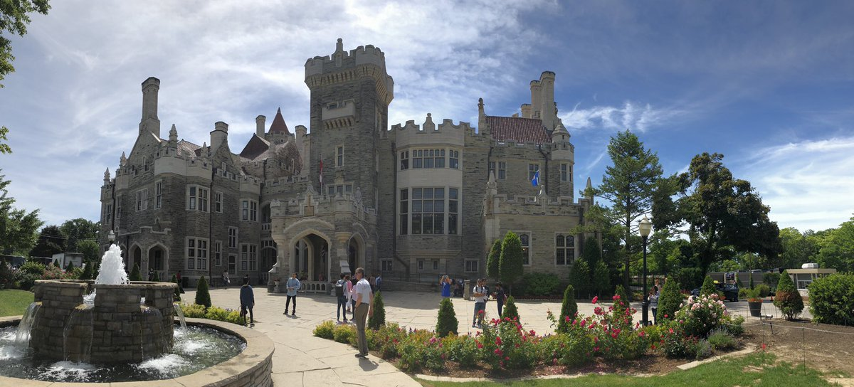@_Prince__Royce I went to a castle in Toronto this summer so that was pretty crazy https://t.co/EofyCL4D8j