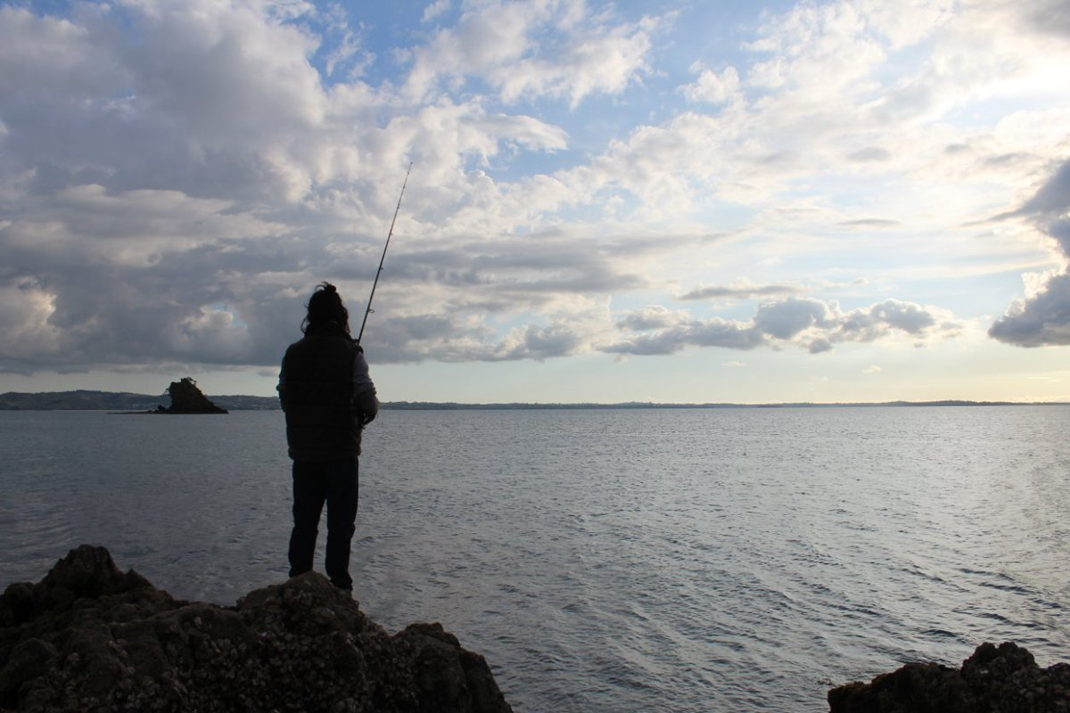 【自分を見つめる時間】 釣りをしていると本間色んな事を考えさせられる! どうして? 魚とのコミュニケーション!海とのやり取り! 将来は海釣りできる所に住みたい! #釣り #魚 #bappashota https://t.co/a2g3KUylCJ