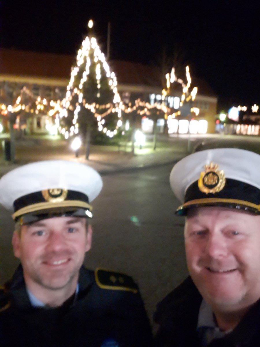 Så er vi klar til skabe Tryg Julefrokost i Guldborgsund #sødejuletid #politidk https://t.co/arfuDChyJ1