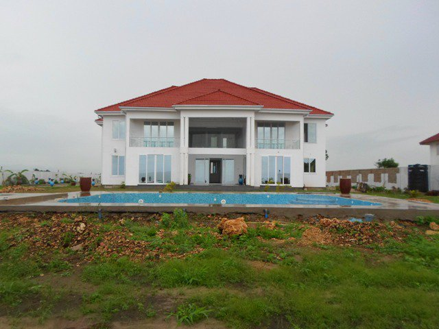 Check out this #house, located in #TZ, #DaresSalaam, #DarEsSalaam! https://t.co/ybhq4wwkL8 #MondProp https://t.co/HdoW8sGk6M