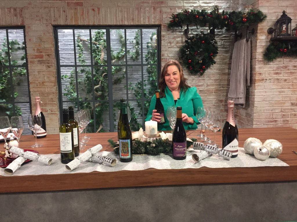 Ready to go! Tune in now @WeekendAMVMT to see @LynneCoyleMW alternative #Christmas choices! (^CJ) https://t.co/YMYL6eT5wX