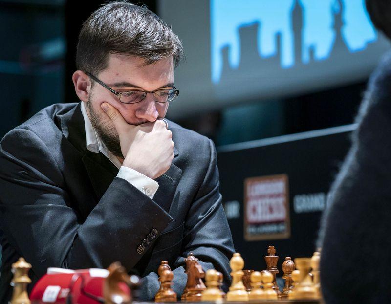 test Twitter Media - #Londonchess Без побед начался и финал: Вашье-Лаграв переиграл Накамуру в Грюнфельде,  но упустил выигрыш в окончании, а Аронян черными против Каруаны открыл  новую главу в итальянке, быстро решив все проблемы.   фото: Lennart Ootes/Grand Chess Tour https://t.co/rt77lVZunj https://t.co/ooq6sBxrJk