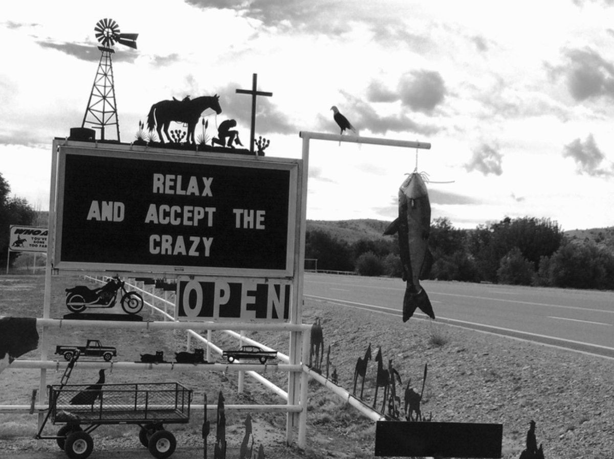 A sign you'll find along the roads of New Mexico.. https://t.co/4JafbN5A4a https://t.co/fwzQGuyzF6